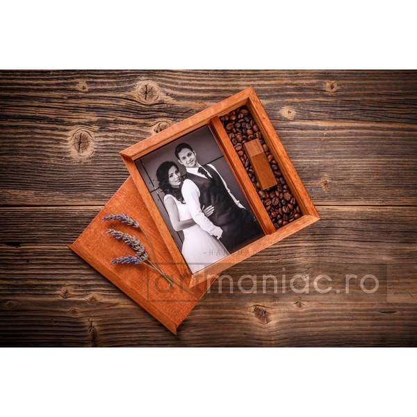 Cutie lemn (pătrat) stick + foto Model: CCTEC